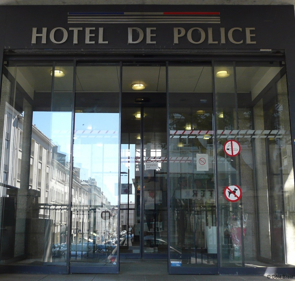 Brest br ves de commissariat article c t brest for Hotel de police